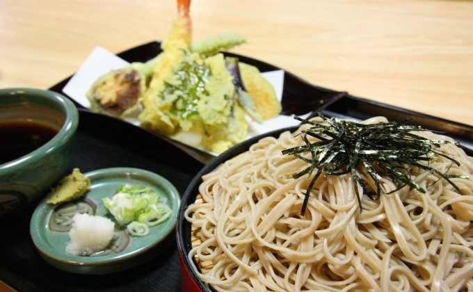 Most Japanese eat %22Soba%22 on New Year's Eve has a special meaning