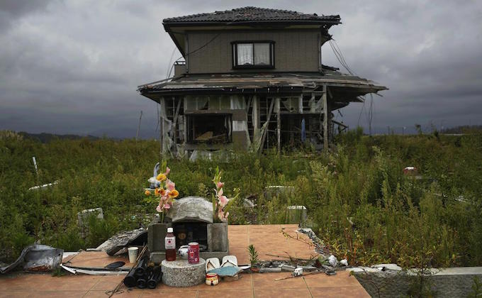 Looking back on Fukushima with 3 revival and 11 ruin photos_3