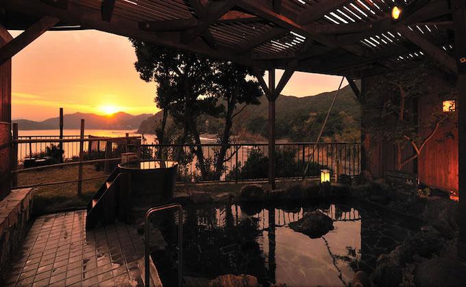The island of G7 Summit, Kashikojima, hides awesome hot springs