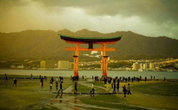 A japper, Japanese alternative website, marks the first anniversary