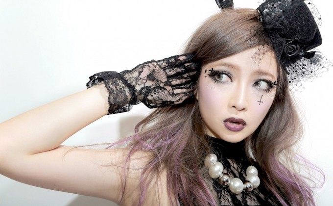 japanese-halloween-livend-up-by-unique-cosplayers